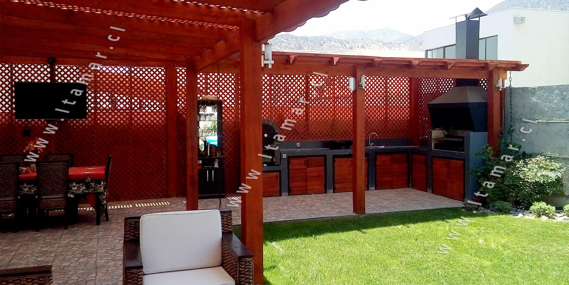 Pergolas de madera quinchos itamar terrazas de madera for Cobertizos de madera segunda mano