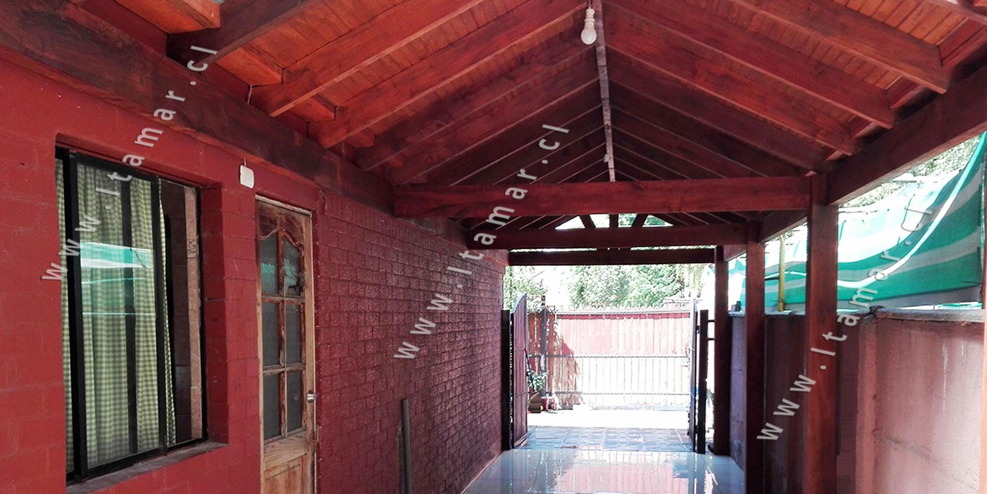 Estructuras de roble cobertizos de madera techos de for Cobertizo de madera para terraza